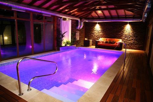Ilumina o para piscinas conhe a os melhores custo for Iluminacion alberca