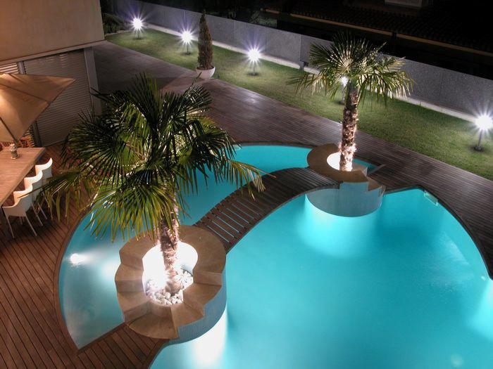 Ilumina o para piscinas conhe a os melhores custo for Modelos de piscinas modernas