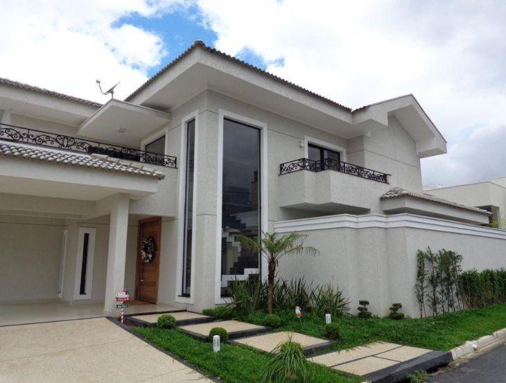Fachadas de sobrados veja modelos e dicas exclusivas for Fotos de casas modernas com telhado aparente
