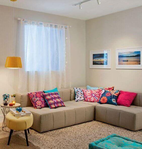 Sala de estar, decoração, ambiente de estar, puff e poltronas