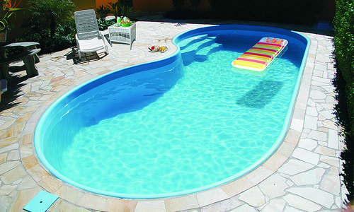Modelo de piscina de fibra de vidro