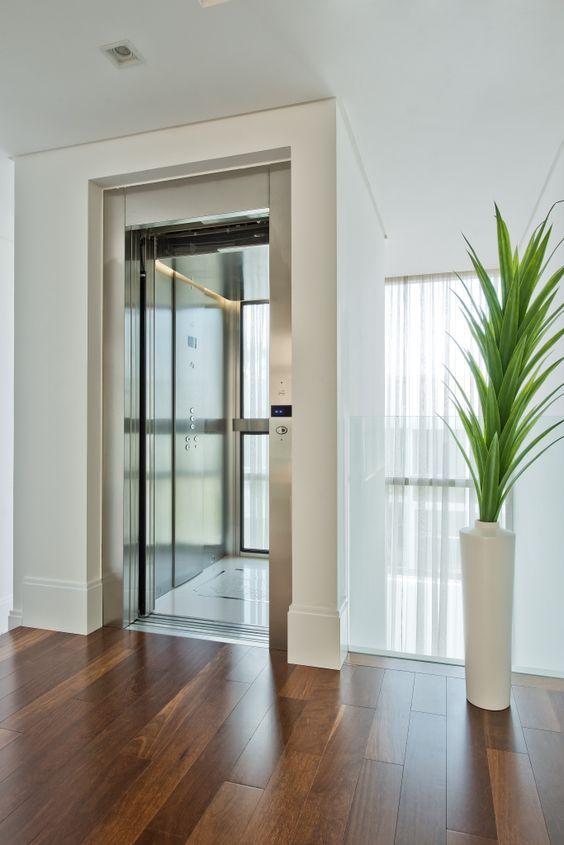 Um elevador residencial oferece diversos aconchegos ao morados, ainda mais se tratando de pessoas com uma idade mais avançada e dificuldade de locomoção