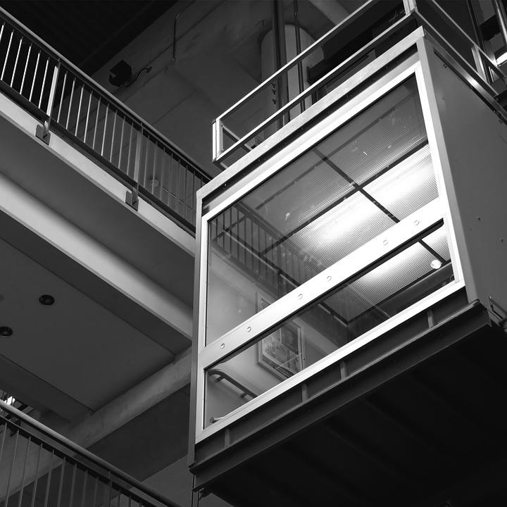 Elevadores residenciais deixaram de ser um luxo e agora são visto com um investimento para seu imóvel.