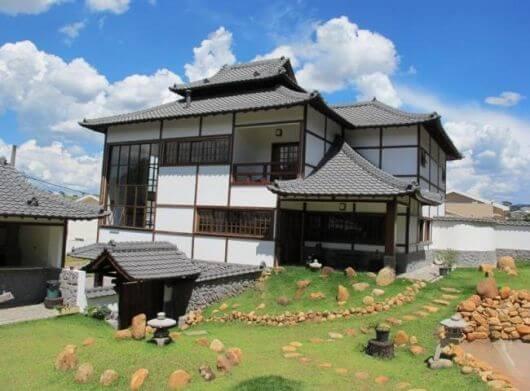 Ilustração de um Telhado estilo Pagode ou Japonês