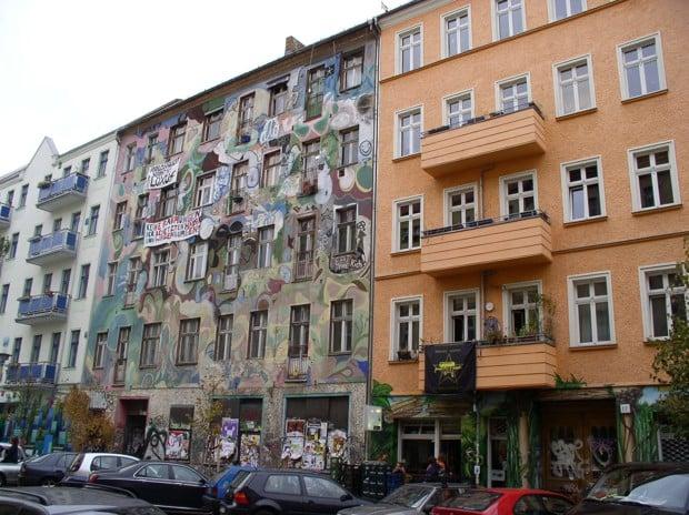 ilustrar dois edificações diferentes