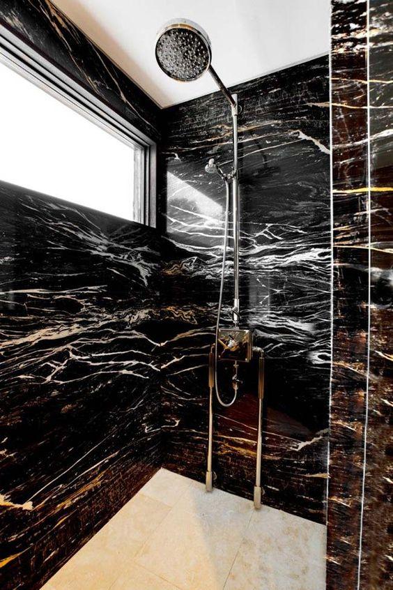 banheiro em granito preto indiano