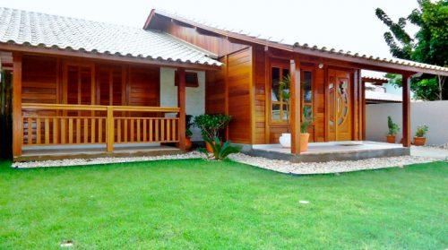 O que são casas pré-fabricadas? | Casa pré-fabricada em madeira rústica.