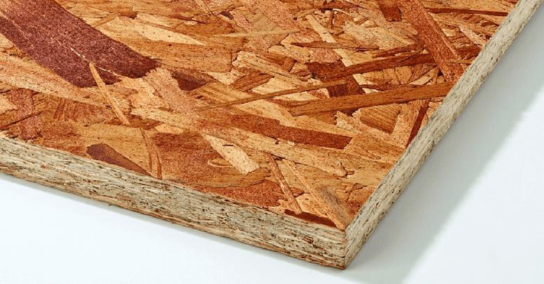 uma chapa de osb, usada na construção das casas em wood frame