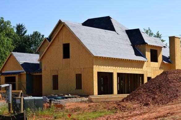 Obra com casa pré-fabricada