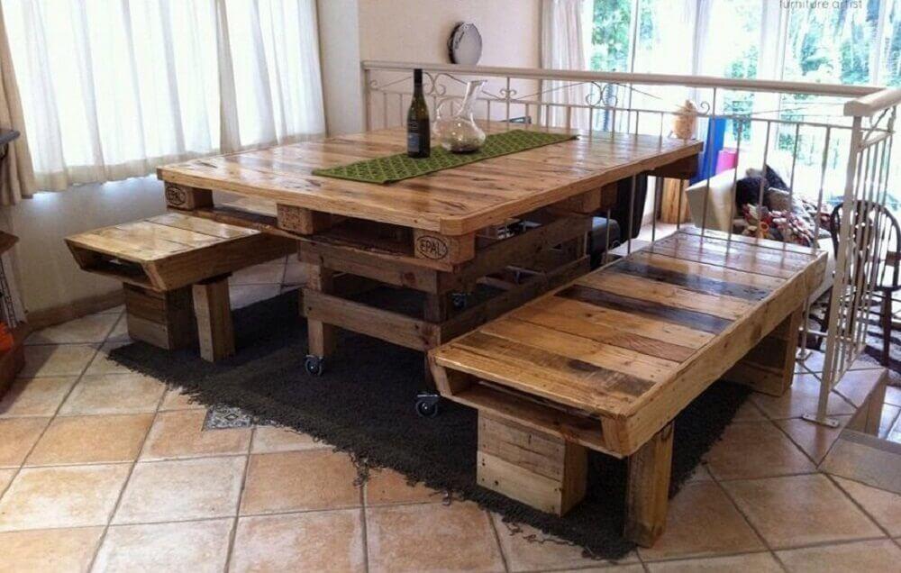 Mesas para área de lazer de madeira reciclável