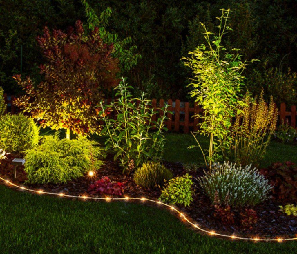 Inspiração de como usar as luzes para jardim