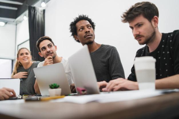 8 dicas para encontrar um profissional qualificado para o seu escritório
