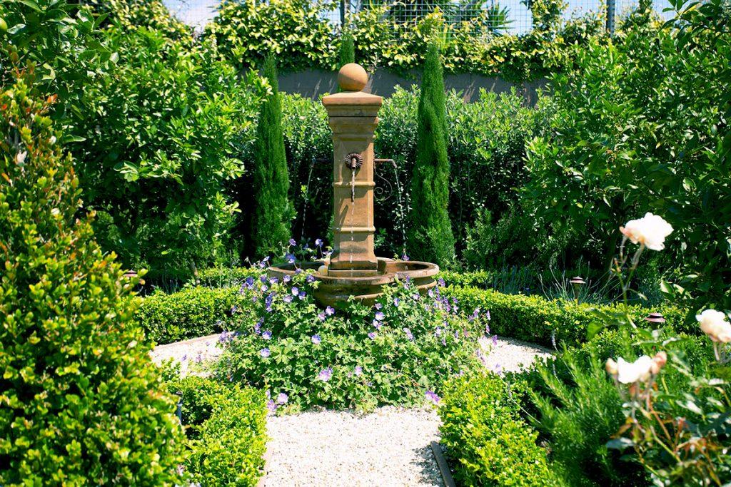 Luzes para jardim italiano