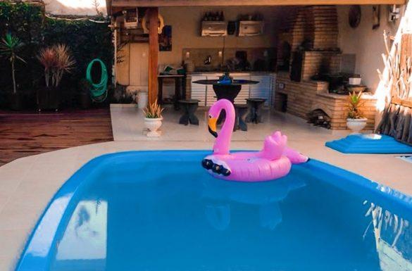 Vantagens e desvantagens de fazer um piscina de fibra
