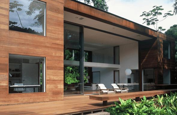Acabamento externo de madeira