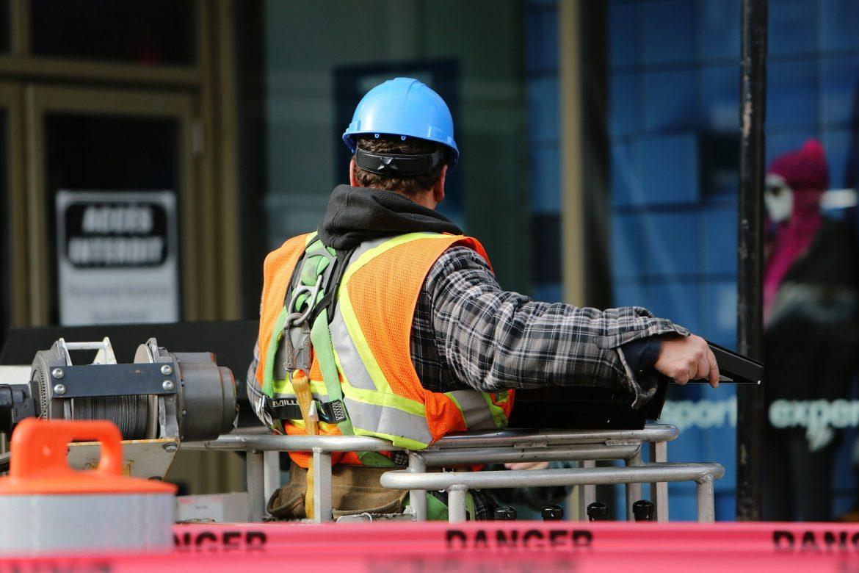 10 dicas de segurança no trabalho em canteiro de obras que podem livrar sua equipe de acidentes